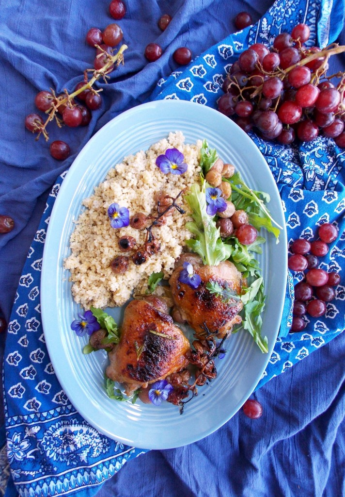 Grape Roasted Chicken Thighs | Havocinthekitchen.com