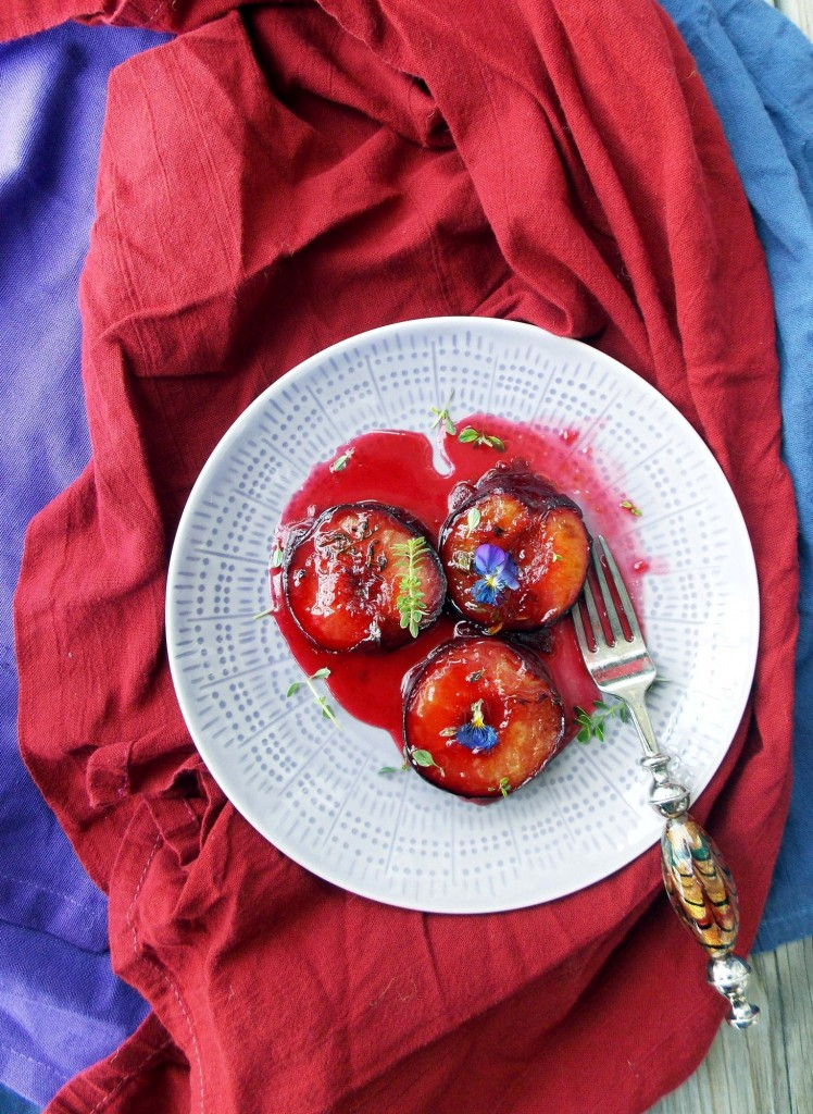 Honey Thyme Roasted Plums | Havocinthekitchen.com