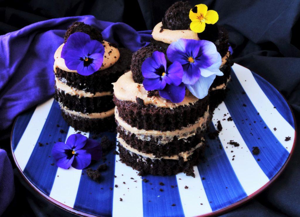 Dulce de leche Bailey's Mini Cakes|Havocinthekitchen.com