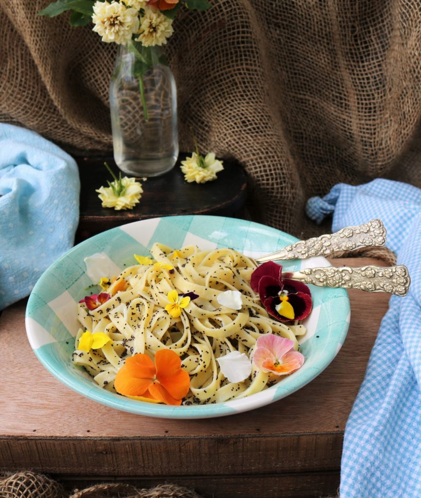 Lemon Poppy Seed Pasta|Havocinthekitchen.com