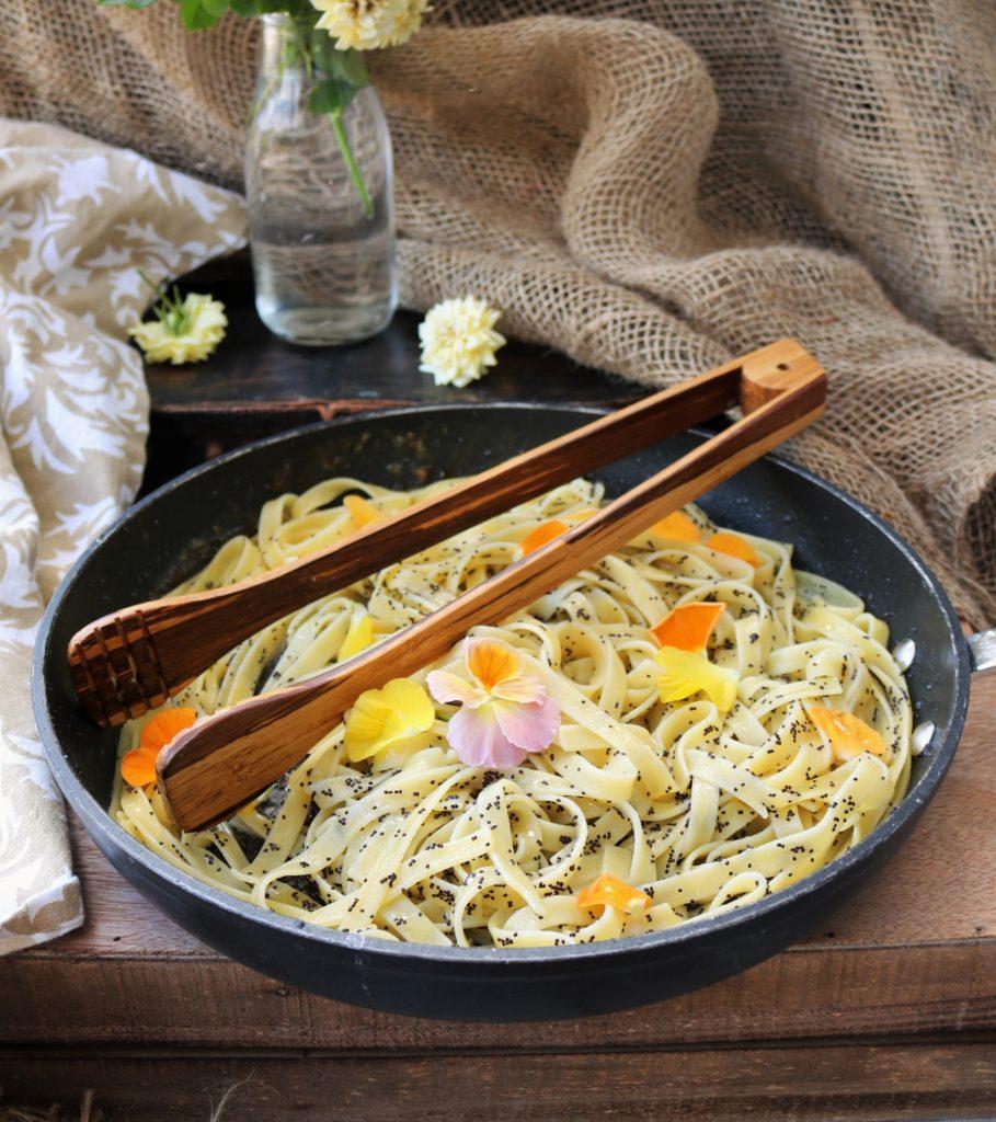 Lemon Poppy Seed Pasta|Havocinthekitchen.com