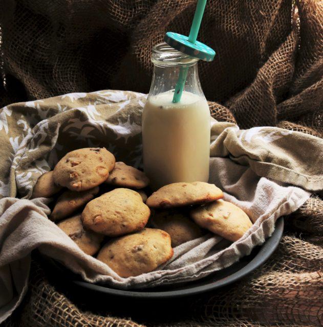 Irish Cream Chocolate Chip Cookies|Havocinthekitchen.com