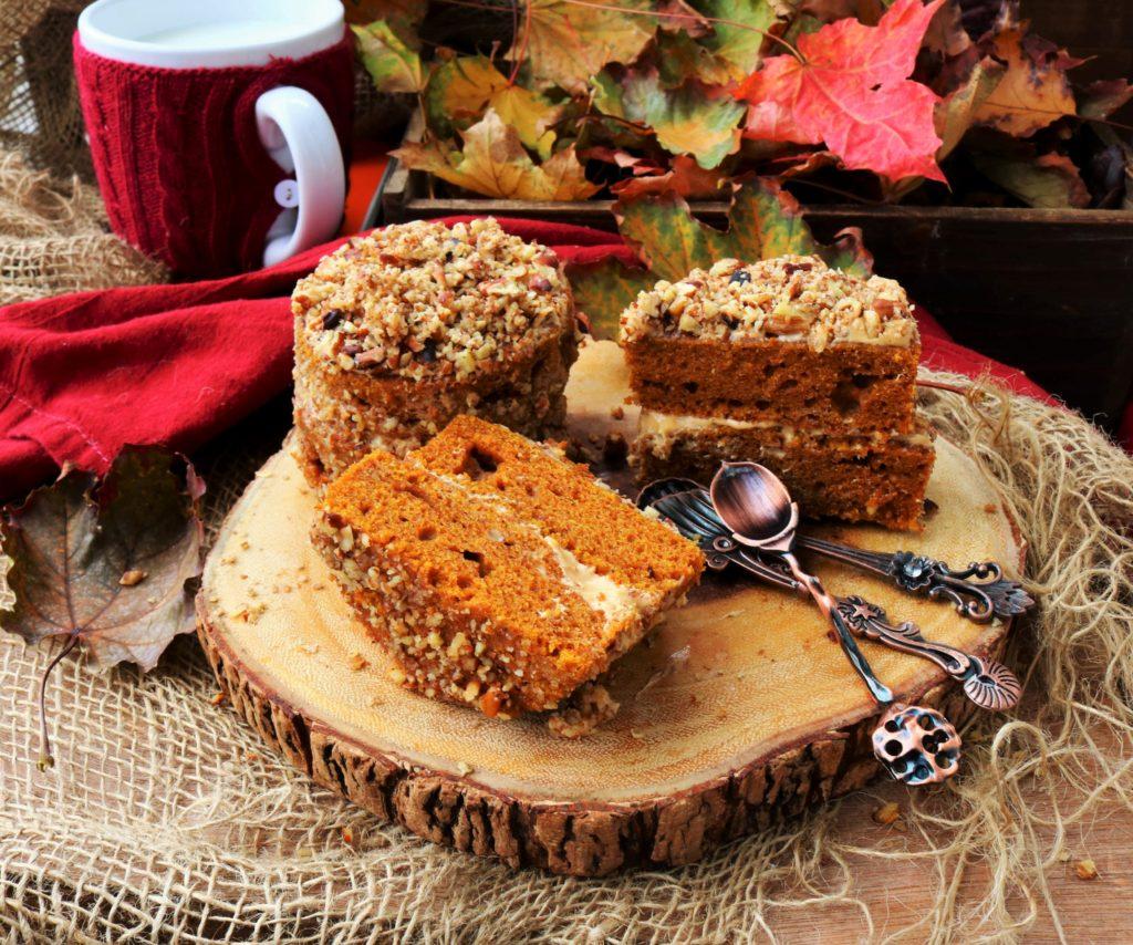 Pumpkin Dulce de Leche Mini Cakes|Havocinthekitchen.com