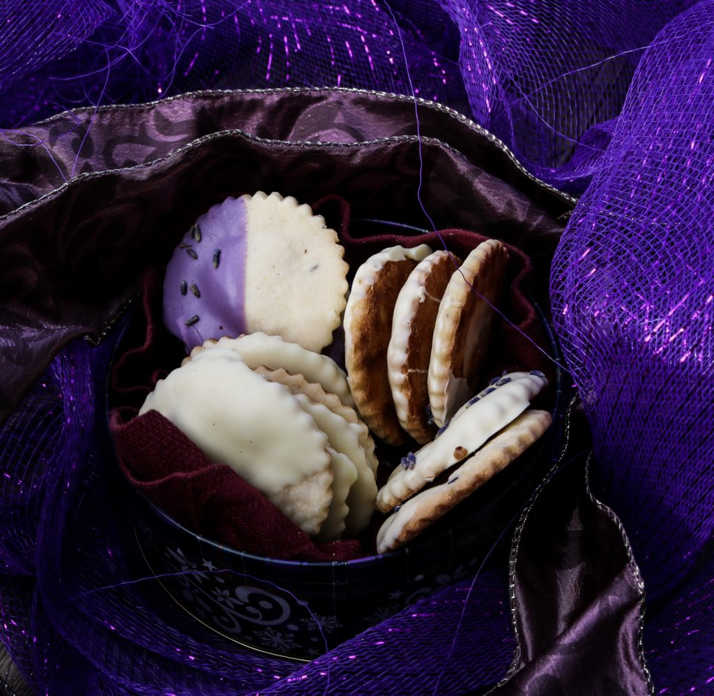 Lavender Chocolate Shortbread Cookies|Havocinthekitchen.com